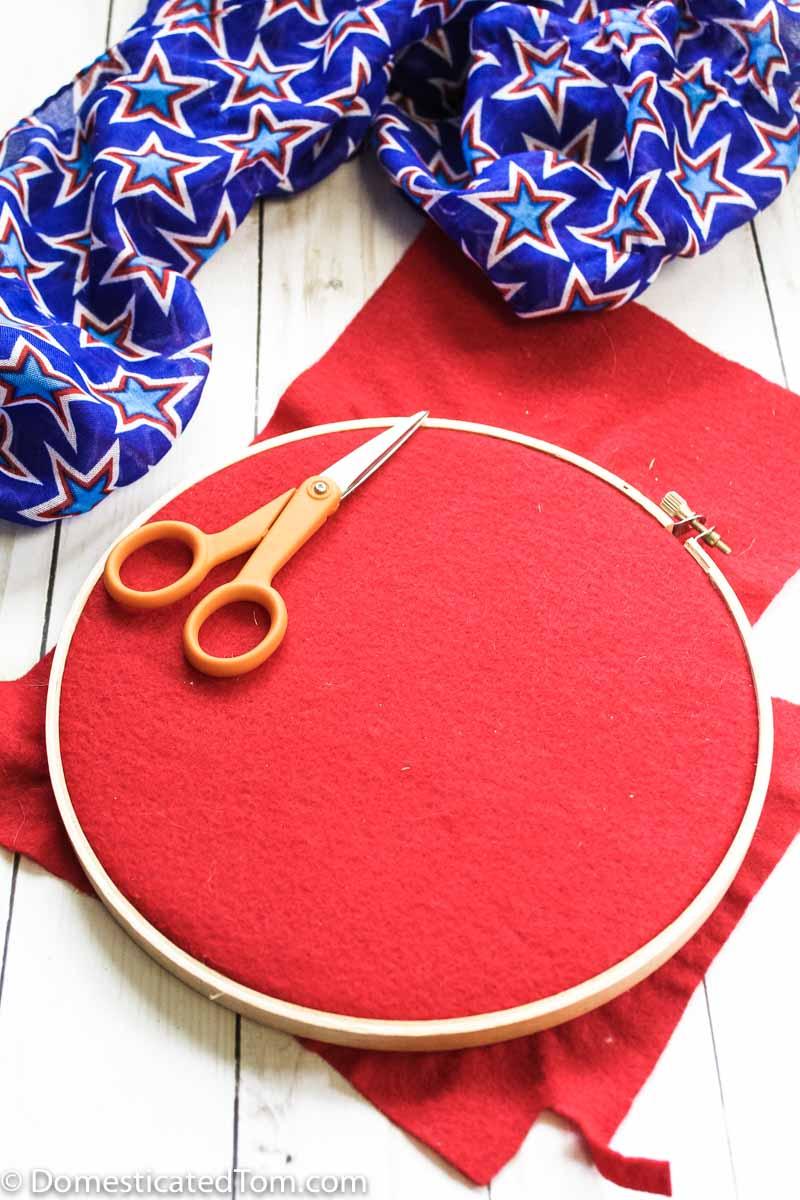 Patriotic Felt Wall Hanging Craft - red felt in a wooden holder